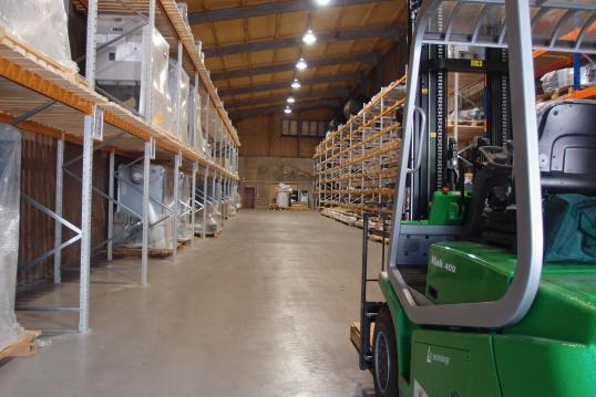 Plug and play biomass for warehouses